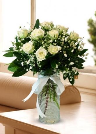 çerkezköy çiçek siparişi Beyaz Güllerin Aşkla Dansı